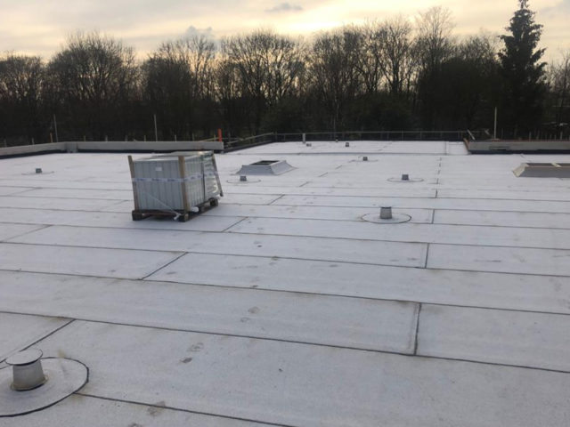 Bitumen dak wit
